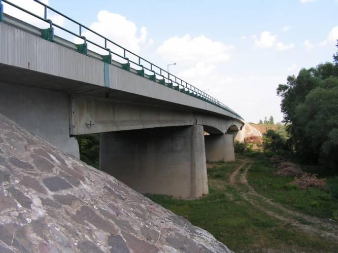 A Kettős-Körös híd Köröstarcsa felől