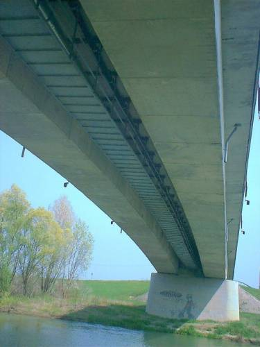 A híd alulról