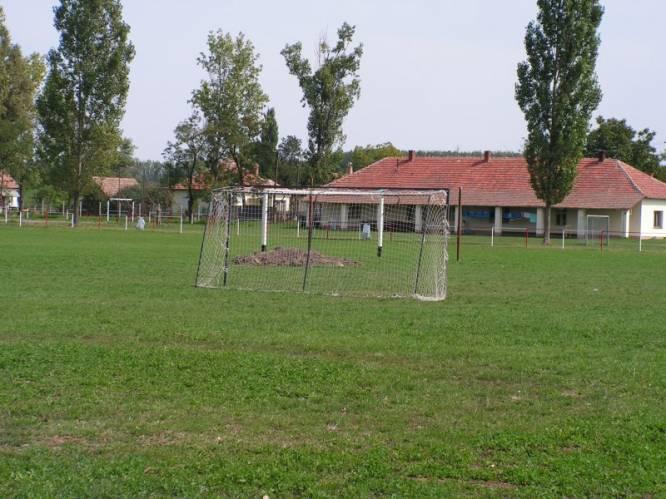Községi Sportpálya - Zalka M. u. környéke, a körgát mellett